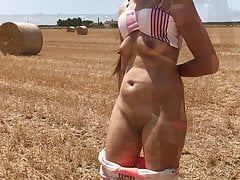 Amateur Girl Flashing Pussy And Boobs In Field