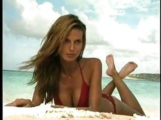 Heidi klum sexy swimsuit throwback...