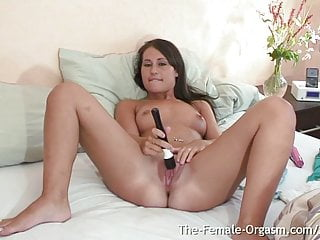 Young Jess West Has Long Contracting Orgasm From Her Vibe