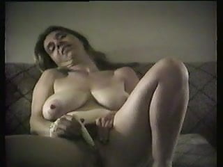 Amateur milf masturbating...
