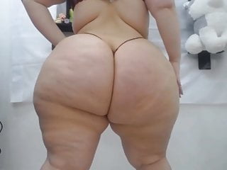 I could watch this ssbbw ass all day...