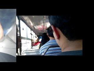 APRETANDO RICO SUS NALGAS MARIDO AL LADO BUS 1
