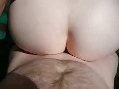 Kertben szexelt az anyjával a perverz fiú