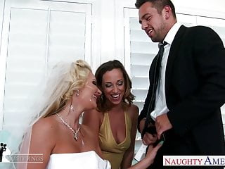 Sexy babes jada stevens and phoenix marie sharing...