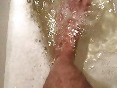 DenkffKinky - Water treatments for feet with golden rain -1