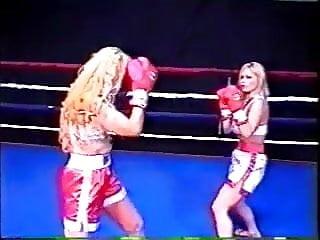 Boxring Mädchen nackt
