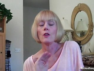 Messy Facial For Amateur Sexy GILF