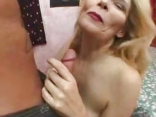 Mature Busty Squirter - Lyn Lemay