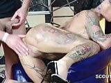 Deutscher Tattoo PornoStar Kitty Core beim Gangbang