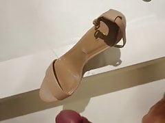cum on heelsPorn Videos