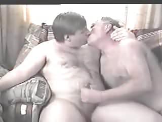 And boy kisswank...