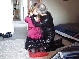 Elisabeth being pleasured with Master's kiss