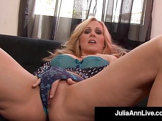 Masturbating Milf Julia Ann Pinches Her Nipples & Cums!