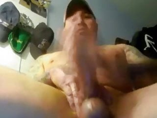 Muscle and tatooed daddy big cock 270919