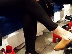 Shoe shopping mature, sexy feet, long toes