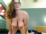 Curvy Amber camshow strip tease