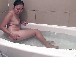Rapunzel Bath farts