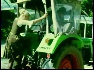 Farm Milf Gets Pussy Eaten (Innerworld)