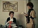 Hopla pa sengekanten (jumping at the bedside) -- ENGLISH DUB