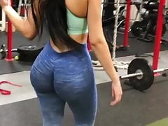 CANDID BIGASS IN GYM