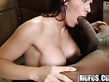 Mofos - Milfs Like It Black - Leena Sky - Wild Milf Likes It