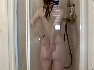 Spying on my neighbours' busty daughter under the shower