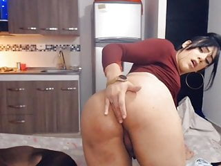 Sexy hot tranny...