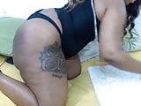 Fat goddess with a huge juicy booty masturbates