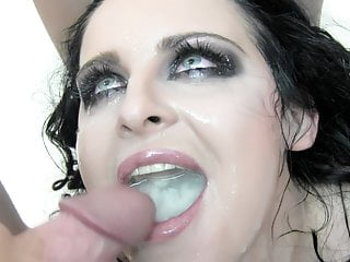 swallows Bukkake 51 cumshots Lola huge mouthful - Premium