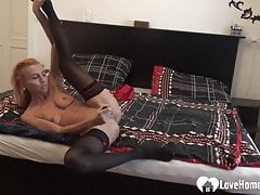 sunny is an older babe who loves masturbating   Porn Videos
