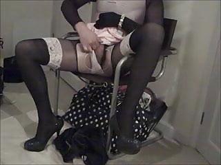Sissy crossdresser wanks spandex leotard...