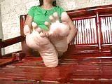 kristen flexing toes